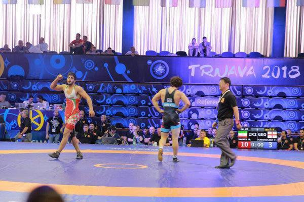 کورس قهرمانی فرنگی کاران ایران با روس ها، با سه طلا صدرنشین هستیم
